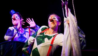El juego de las palomas- Agrupacion Teatral Maria Castaña y La quinta pata teatro. Direccion Leo Rey (2014)
